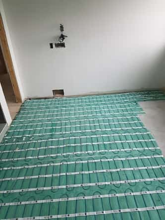 Residential floor heating installation